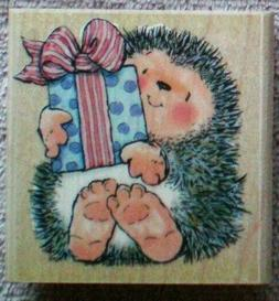 PENNY BLACK RUBBER STAMP-A GIFT FOR YOU HEDGEHOG